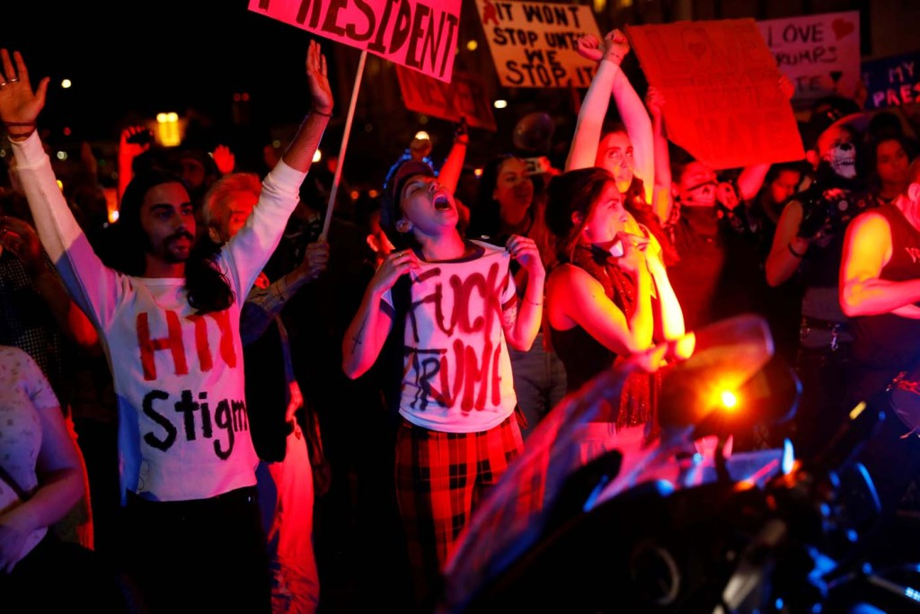 2016-11-10T090500Z_791102011_D1BEULZRRGAB_RTRMADP_3_USA-ELECTION-PROTEST