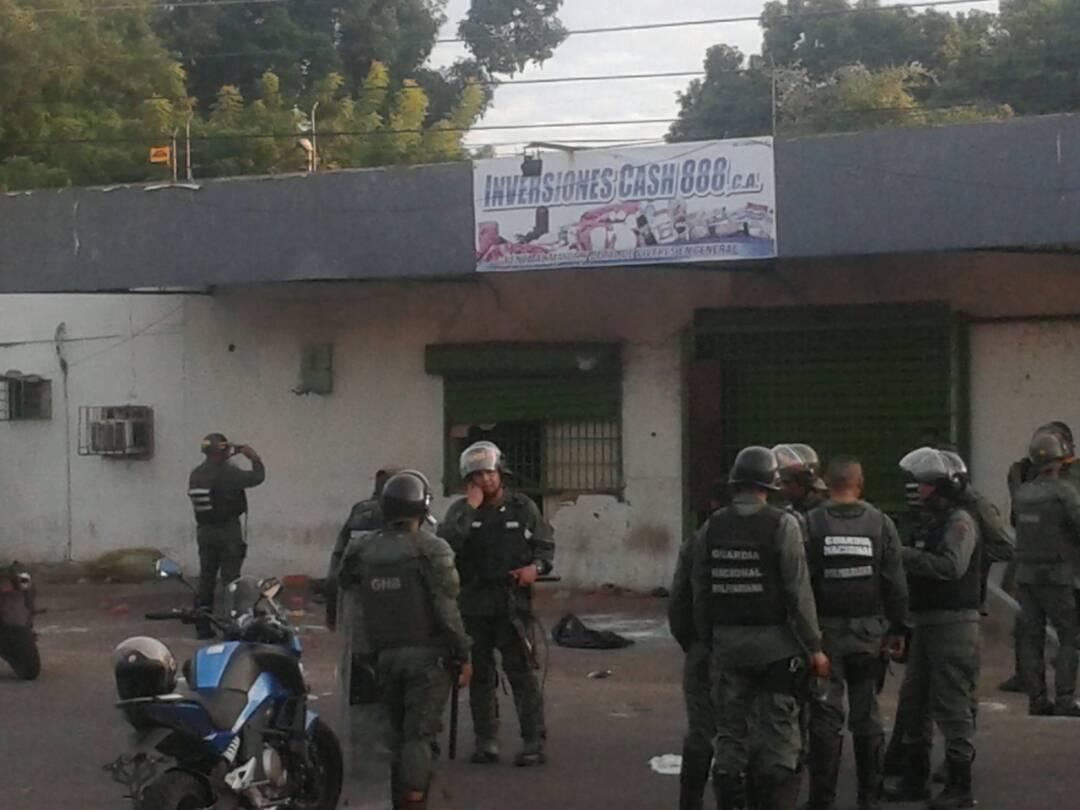 saqueos-ciudad-bolivar-2