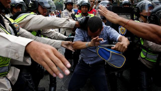 Represión-en-Venezuela-640x360
