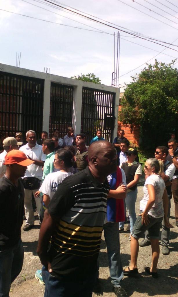 Allanamiento de casa del alcalde Delson Guarate. (Foto: Cortesía).