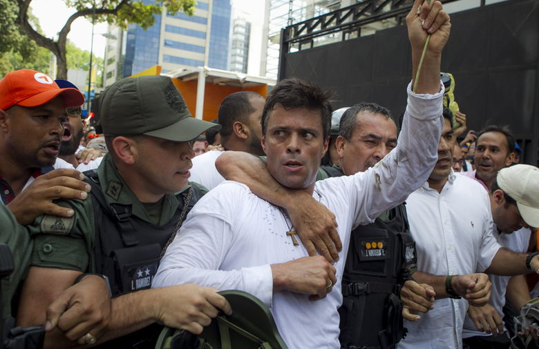 venezolano-Leopoldo-Lopez-Guardia-Nacional_NACIMA20140218_0068_3