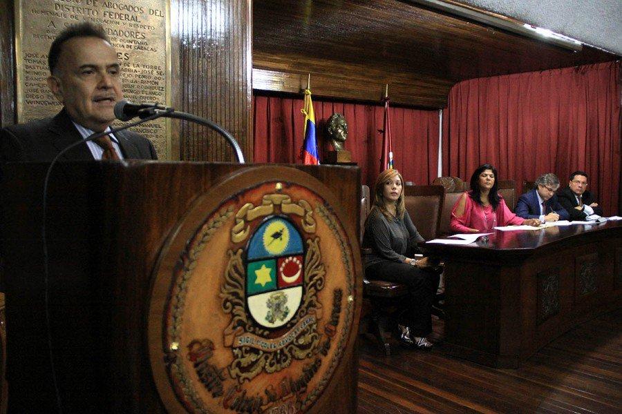 Foro-Colegio-de-Abogados-900x600