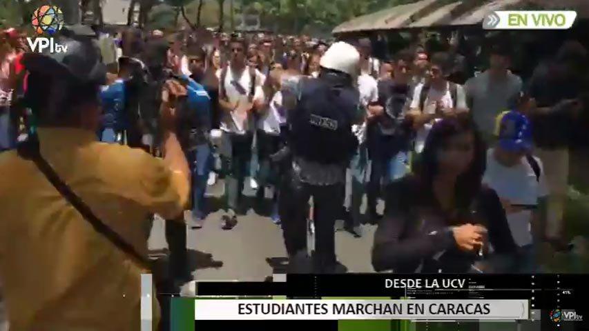 Estudiantes De La Ucv Marchan Al Ministerio De Interior Y
