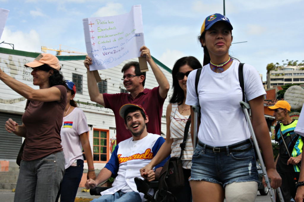 Personas con discapacidad exigieron un país con mayor inclusión. (Foto: Cosorven).