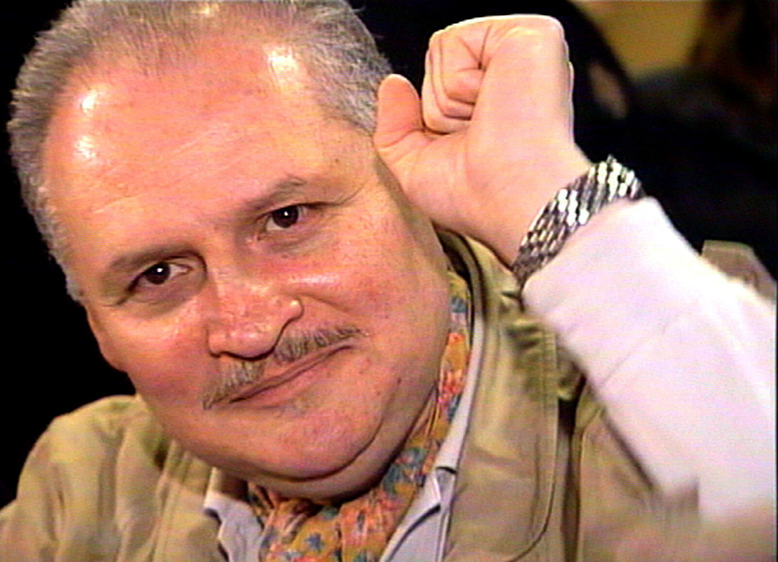 "FILE PHOTO: Ilich Ramirez Sanchez, better known as ""Carlos the Jackal"", raises his fist as he appears in court in Paris, France November 28, 2000. REUTERS/RTV/Thierry Chiarello/File Photo"