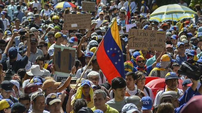 1526482802_el-frente-amplio-venezuela-libre-convoco-a-protestar-este-miercoles-contra-el-fraude-electoral-678x381