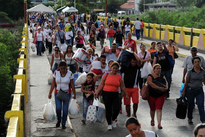 venezolamos-huyen-de-la-doctadura-de-maduro