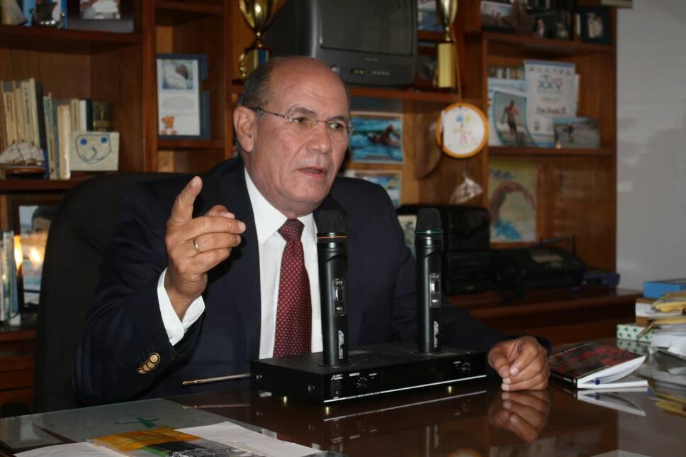 Omar-González-12-06